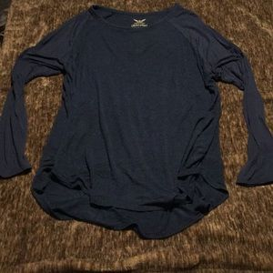 Gently Used, Very Comfy Material, Long Sleeve Tee